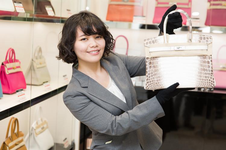 【バイヤー/青山表参道店】未経験歓迎!オシャレな青山のお店でブランド品に囲まれて働きませんか?